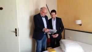Michael Bockting mit Martin Seidel beim Tag der offenen Tür
